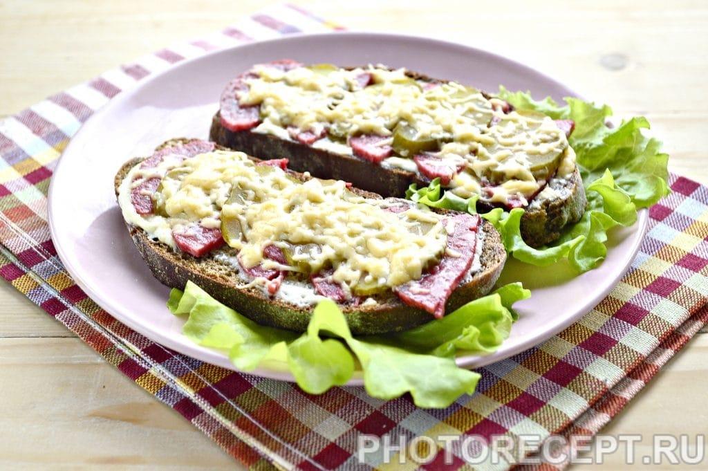 Фото рецепта - Горячие бутерброды в микроволновке - шаг 7