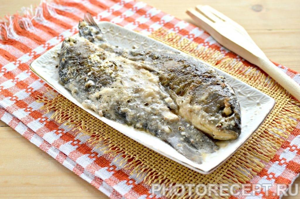 Фото рецепта - Рыба тушеная в сметане - шаг 7