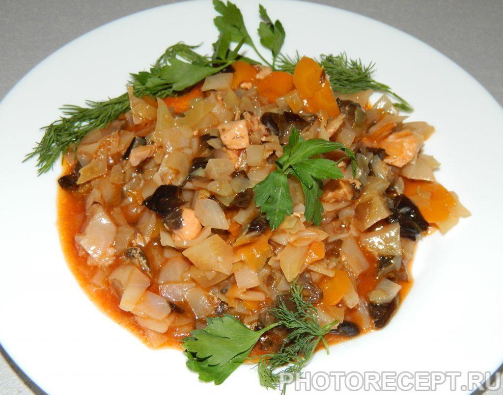 Фото рецепта - Солянка с грибами и куриной грудкой в мультиварке - шаг 7