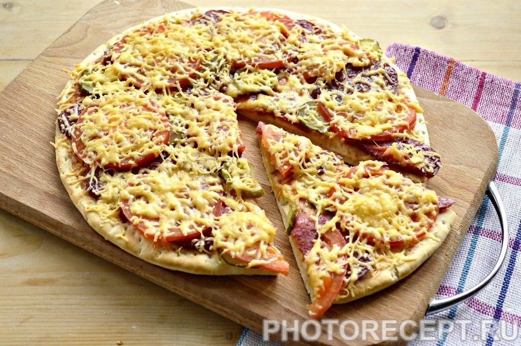 Фото рецепта - Пицца с соленым огурцом - шаг 7