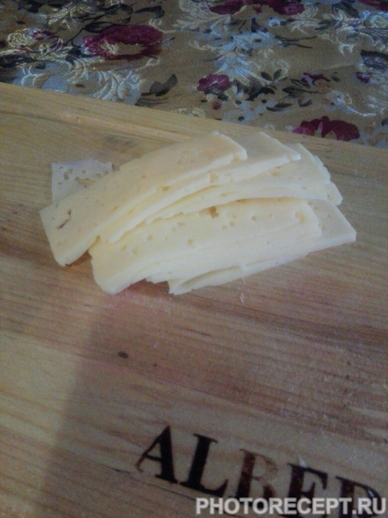 Фото рецепта - Рулеты мясные из курицы с сыром - шаг 2