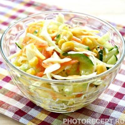 Капустный салат с сельдереем и кукурузой - рецепт с фото