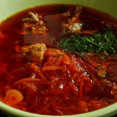 Горячий свекольник с мясом - рецепт с фото