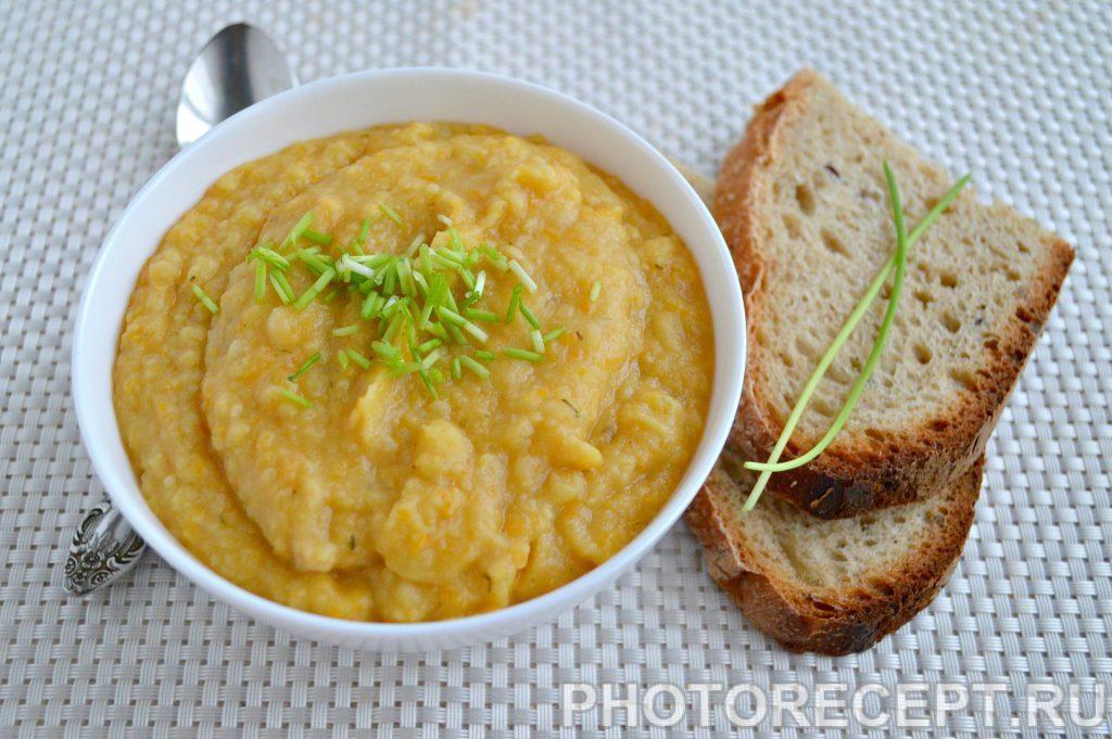 Фото рецепта - Гороховый крем-суп с пастернаком - шаг 6