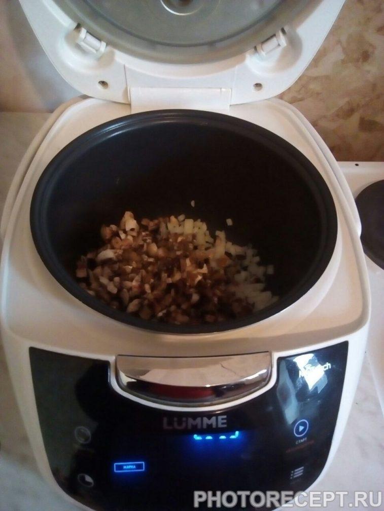 Фото рецепта - Картошка с грибами в мультиварке - шаг 4