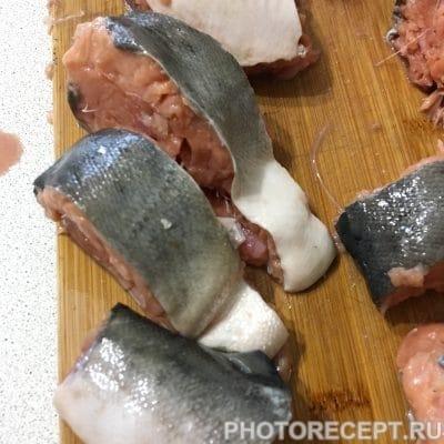 Фото рецепта - Горбуша запеченная под шубой - шаг 1