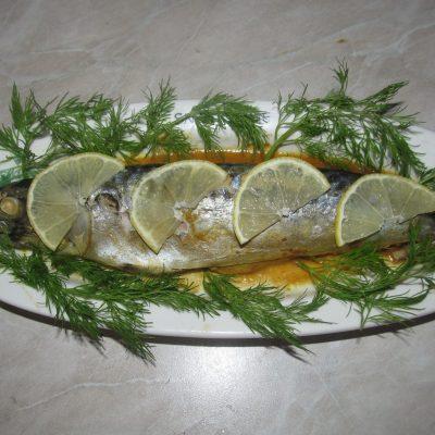 Скумбрия запеченная под соевым соусом - рецепт с фото