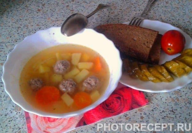 """""""Быстрый"""" суп с фрикадельками"""