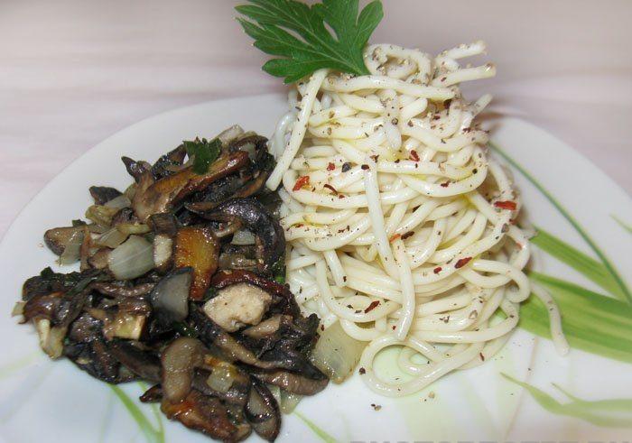 Спагетти с белыми грибами