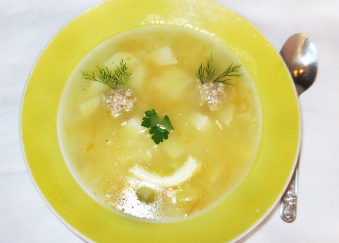 Суп с фрикадельками – оформление блюда