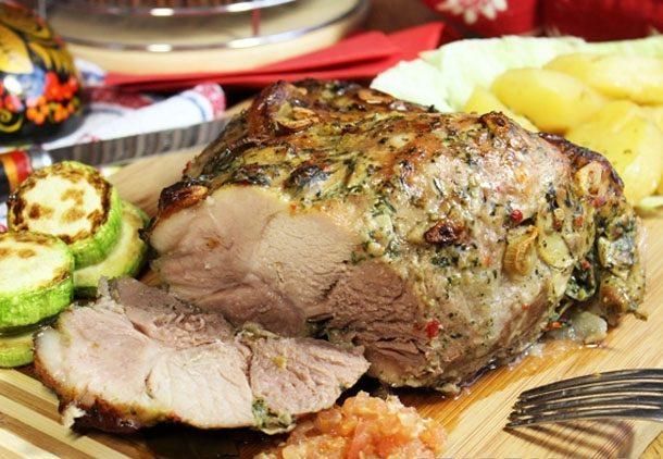 Запеченное мясо в рукаве с картофелем