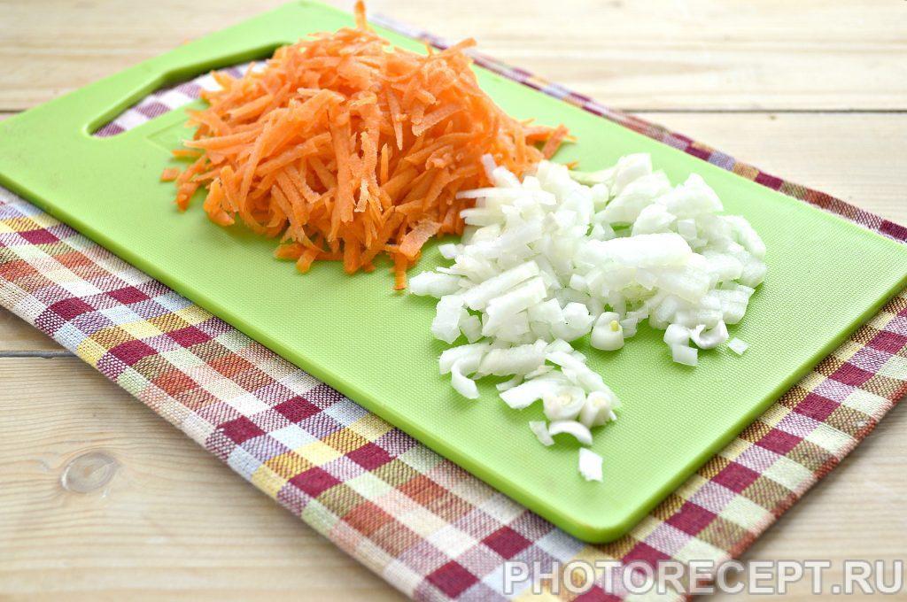 Фото рецепта - Тушеный тунец с овощами на сковороде - шаг 1
