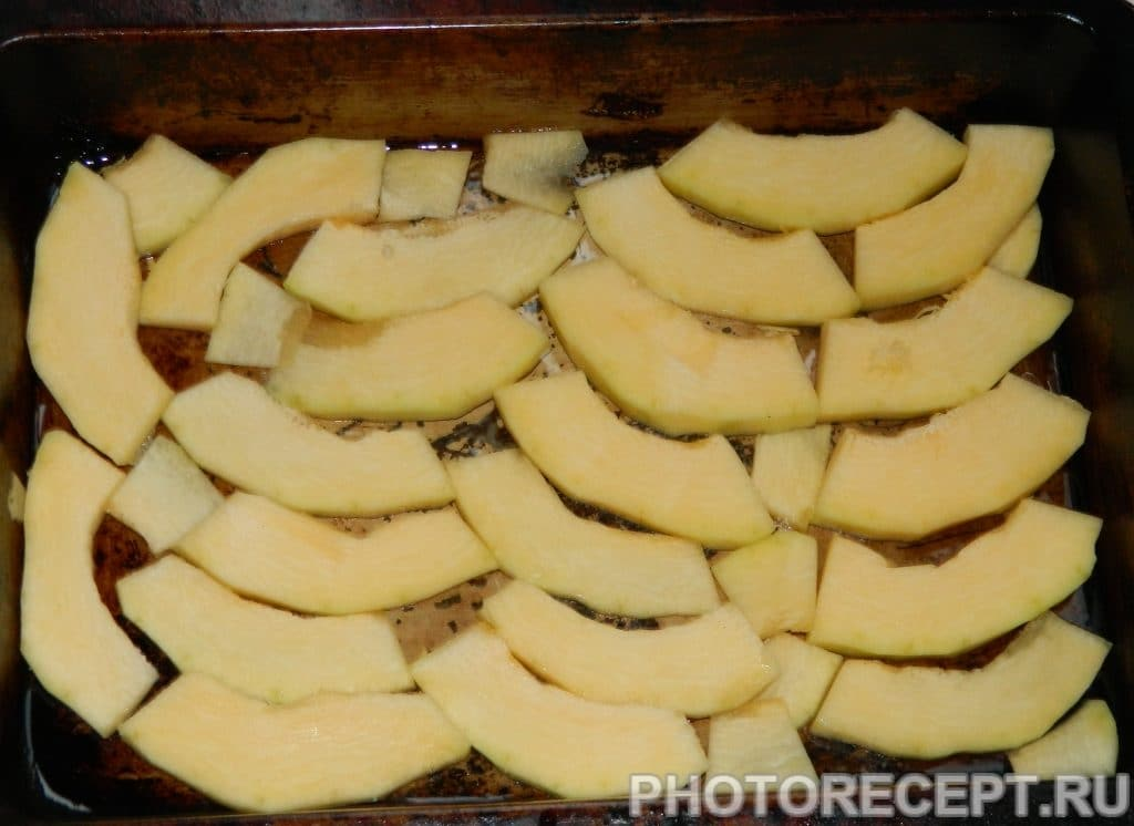 Фото рецепта - Кабачки, запеченные с овощами под сырным соусом - шаг 1
