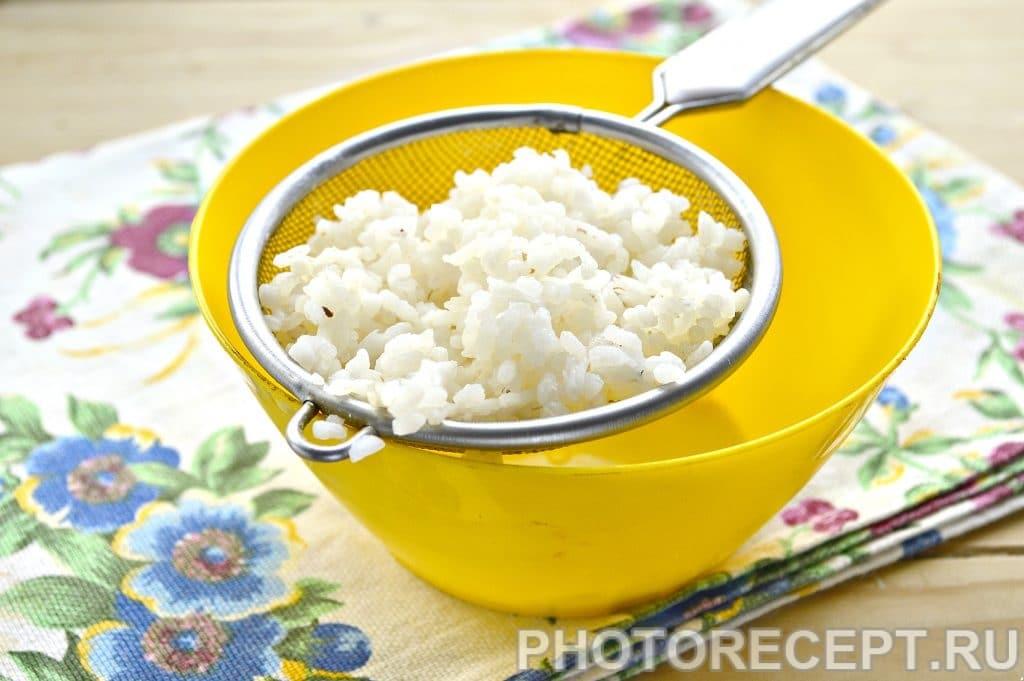 Фото рецепта - Салат с консервированным тунцом и рисом - шаг 1