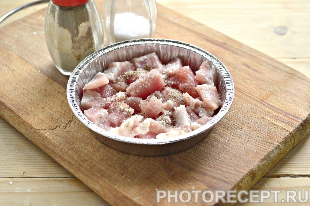Фото рецепта - Мясо в духовке под сырной корочкой - шаг 2