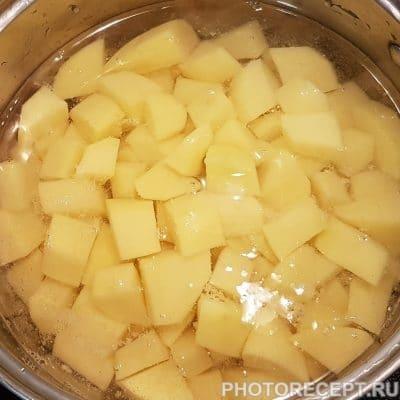 Фото рецепта - Хрустящая жареная рыба с картофельным пюре - шаг 2