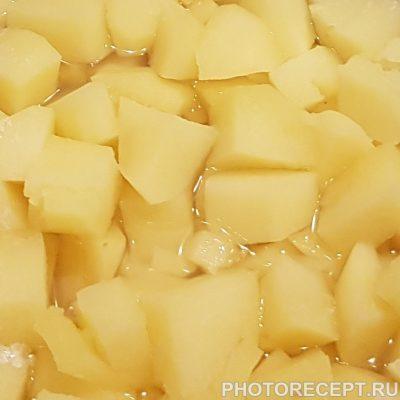 Фото рецепта - Хрустящая жареная рыба с картофельным пюре - шаг 4