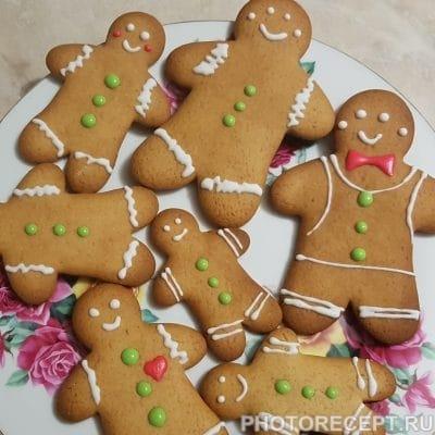 Фото рецепта - Рождественские пряники с глазурью (печенье) - шаг 8