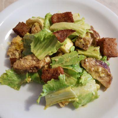 Салат из пекинской капусты и куриного филе - рецепт с фото