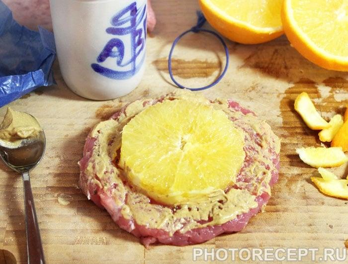 Фото рецепта - Свиная отбивная с апельсином, в духовке - шаг 4