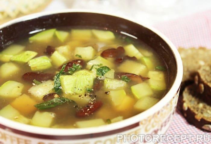 Фото рецепта - Овощной суп из кабачков и фасоли - шаг 6