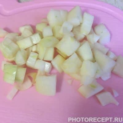 Фото рецепта - Куриное филе со стручковой фасолью в сметанном соусе - шаг 2