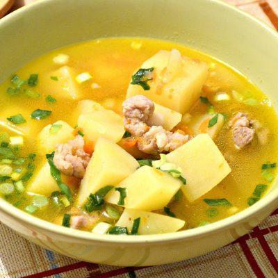 Картофельный суп со свининой и овощами - рецепт с фото