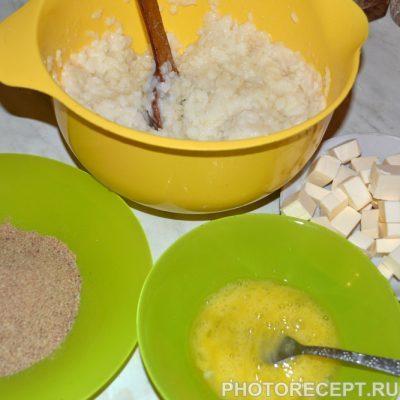 Фото рецепта - Рисовые шарики с курицей и грибами в соусе Терияки - шаг 6