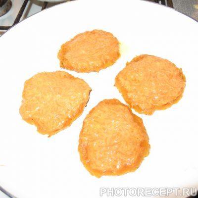 Фото рецепта - Тыквенные оладьи с корицей - шаг 3