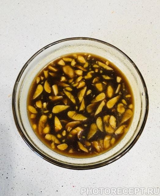 Фото рецепта - Курица в медово-горчичном маринаде в духовке - шаг 2