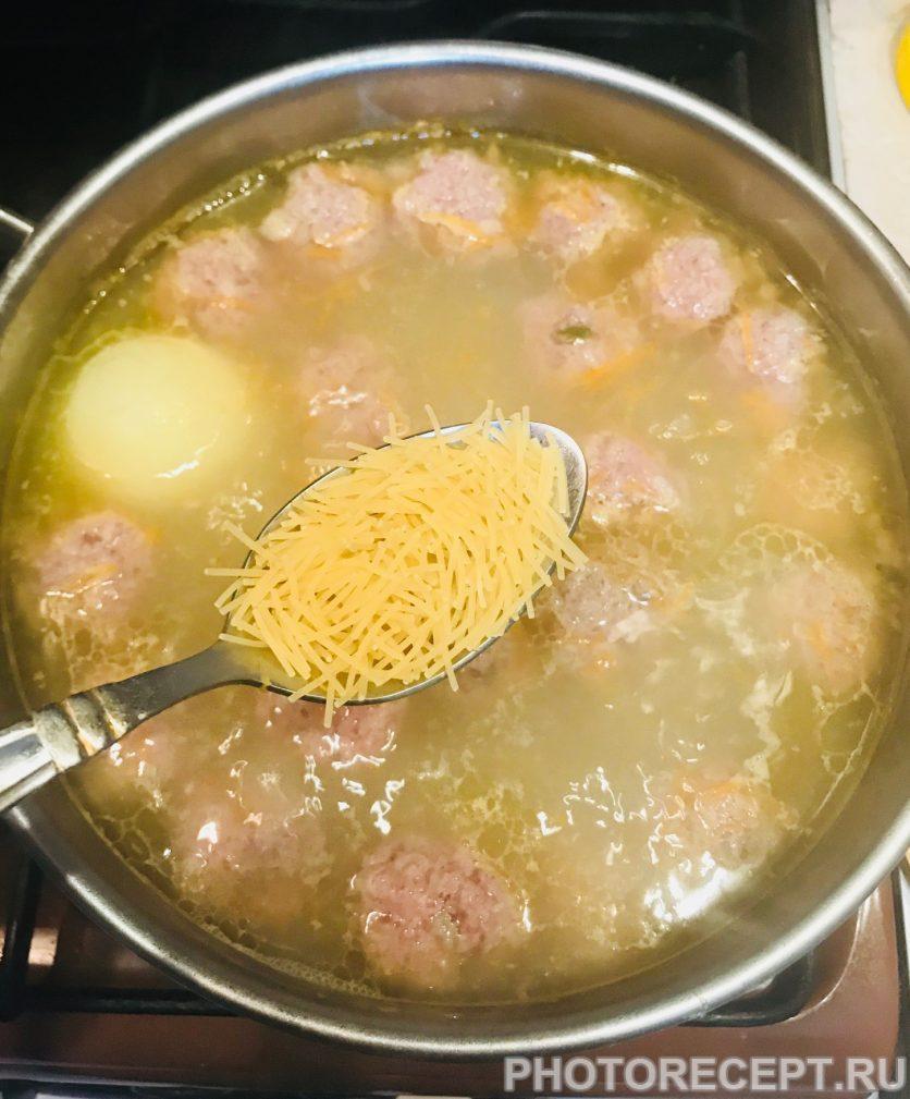 Фото рецепта - Суп-лапша с фрикадельками - шаг 5