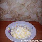 """Фото рецепта - Салат из курицы и свеклы """"Гранатовый браслет"""" - шаг 7"""