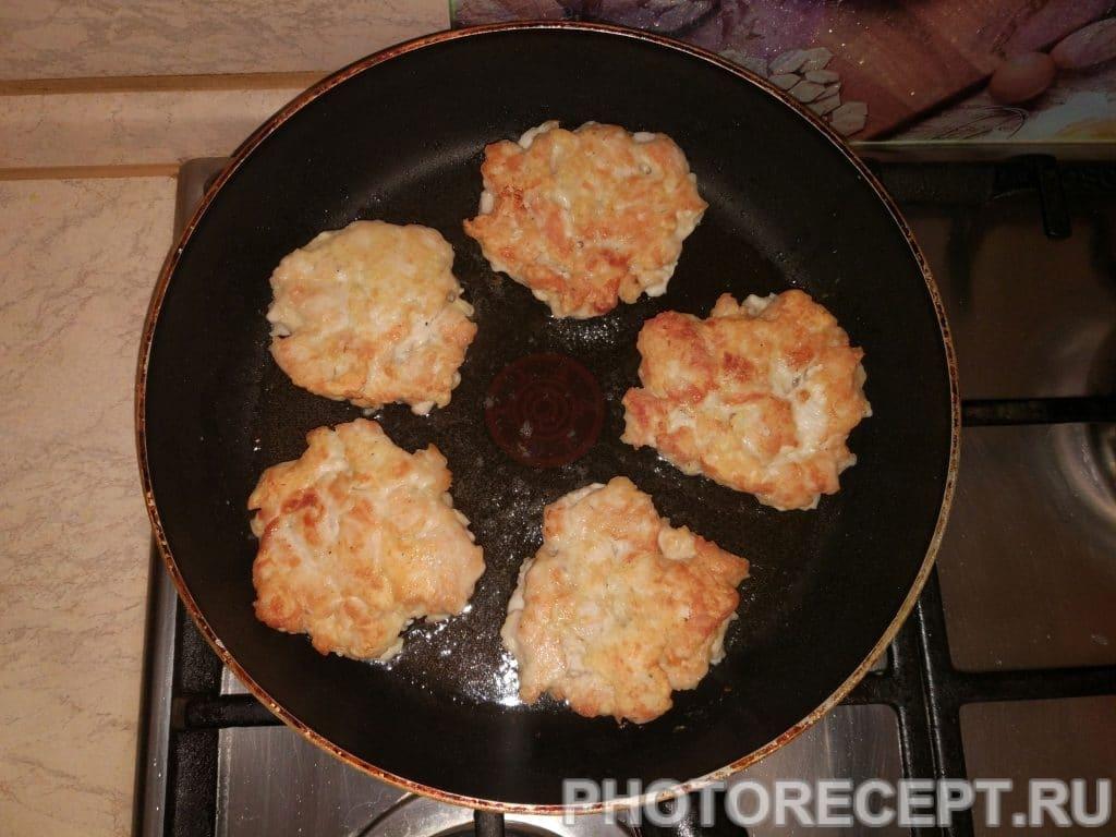 """Фото рецепта - Рубленые котлеты """"Куриная нежность» - шаг 5"""