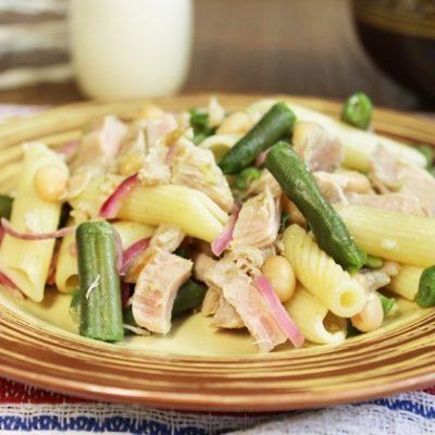 Салат с тунцом и фасолью - рецепт с фото