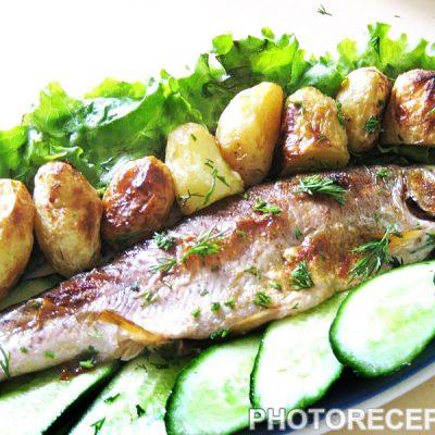 Запеченная речная форель с овощами - рецепт с фото