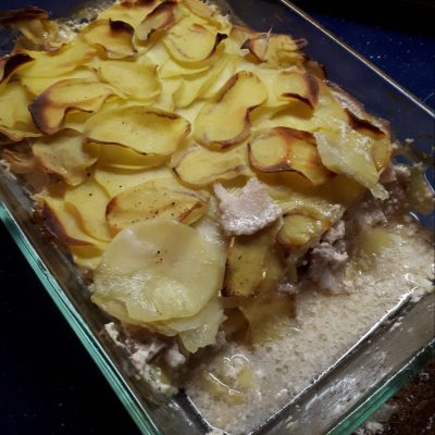 Картофельная запеканка с беконом - рецепт с фото