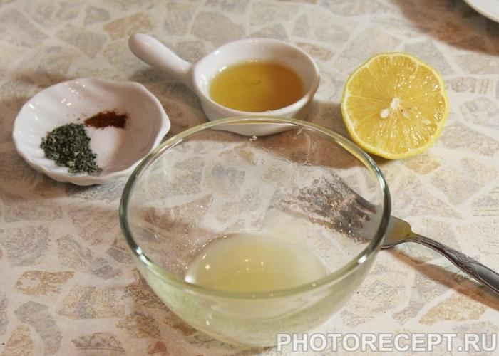 Фото рецепта - Салат из цветной капусты с огурцом и перцем - шаг 4