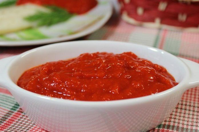 Красный соус из болгарских перцев