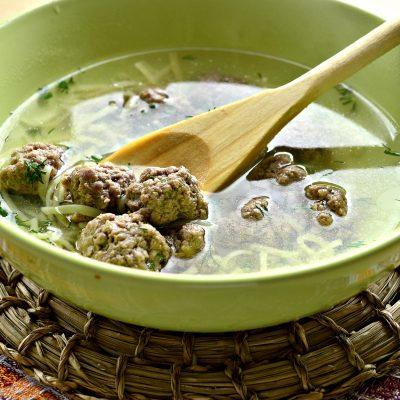 Простой суп-лапша с фрикадельками - рецепт с фото