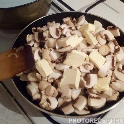 Фото рецепта - Классический жюльен с курицей и шампиньонами - шаг 3