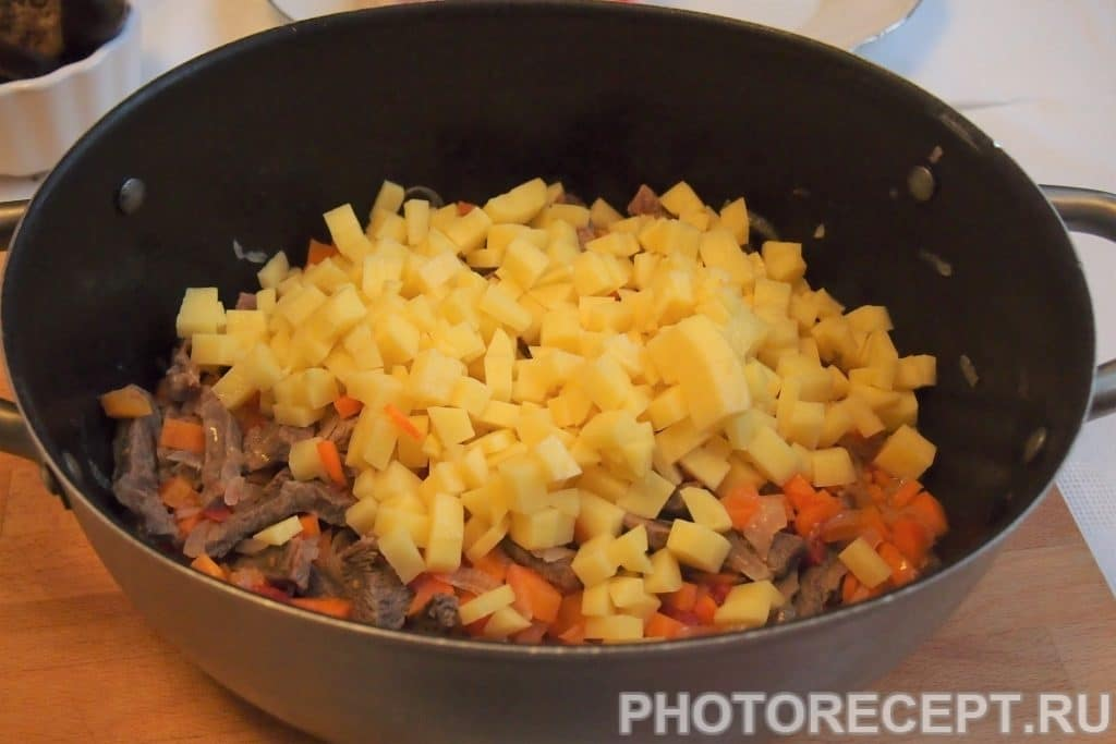 Фото рецепта - Лагман жареный по-узбекски - шаг 8