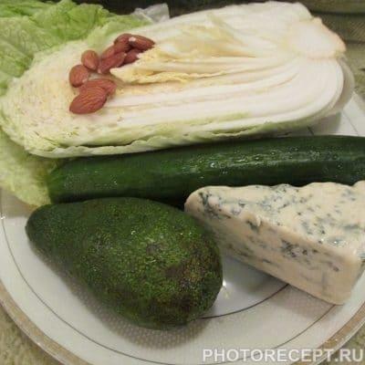 Фото рецепта - «Шик» – нежный салат с авокадо и сыром Дор-Блю - шаг 1