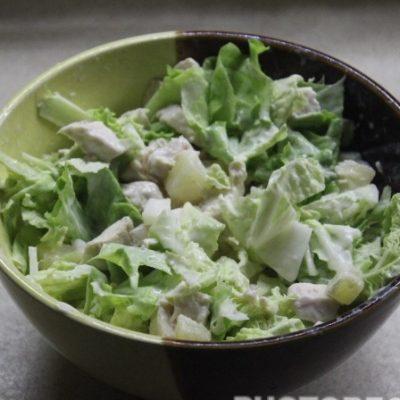 Зеленый салат с курицей без майонеза - рецепт с фото