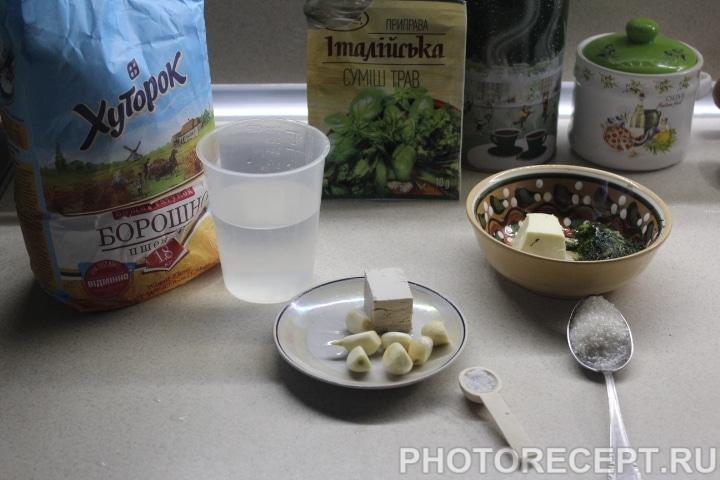 Фото рецепта - Чесночный багет - шаг 1