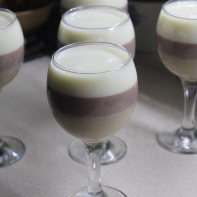Трехслойный молочный десерт - рецепт с фото