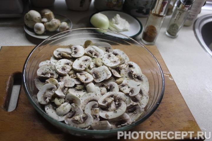 Фото рецепта - Диетическая курица с грибами в духовке - шаг 3