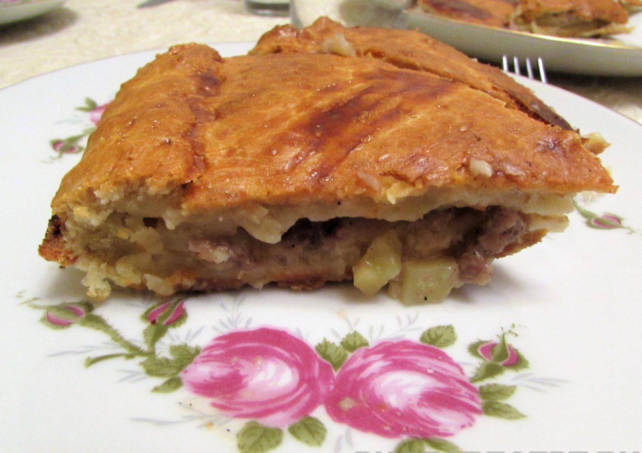 Ленивый курник из рубленого мяса и картофеля