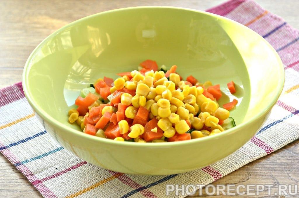 Фото рецепта - Постный салат с консервированной кукурузой - шаг 4