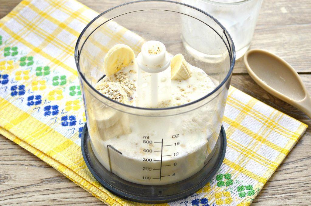 Фото рецепта - Смузи из овсянки и банана - шаг 4
