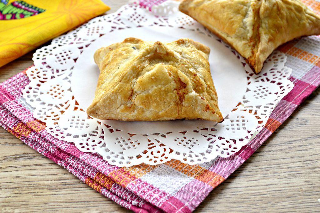 Фото рецепта - Пирожки с мясным фаршем в духовке - шаг 6